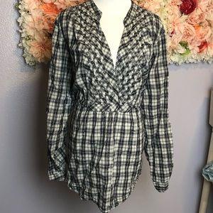 Black and white plaid torrid shirt size 4